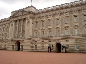 buckingham-palace-1458757-640x480