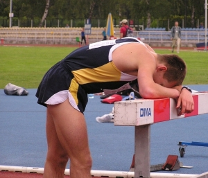 tired-lost-sportman-1251217-639x547