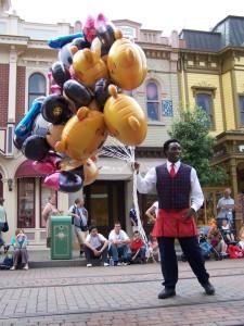 balloon-salesman-1241473-639x852