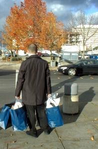 shopping-man-1468260