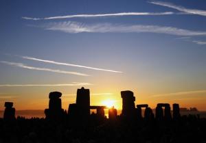 stonehenge-1553212-639x445