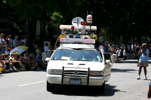 Ghostbusters_@_Minneapolis_Art_Car_Parade_(870275870)