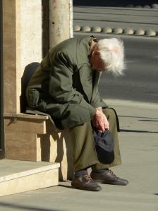 old-man-1433054-1279x1705