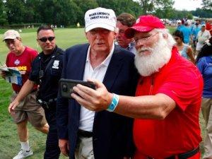 donald-trump-and-santa